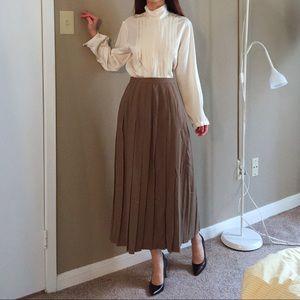 Vintage 100% pure wool pleated maxi skirt